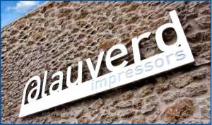 Blauverd Impressors fachada. Blauverd Impressors. Impresión Offset. Impresión Digital. Máxima calidad. Impresión digital económica. Impresión digital barata. Presupuesto personalizado.