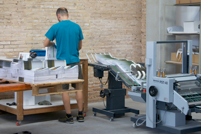 Blauverd-Impressors-encuadernacion-libro-3