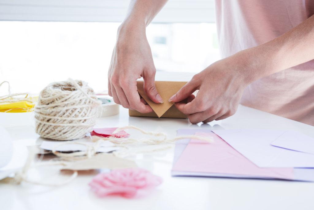 Imprime papel de regalo personalizado
